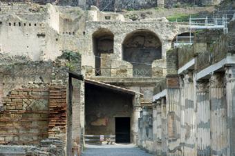 Herculaneum excavations in 2005 (image)