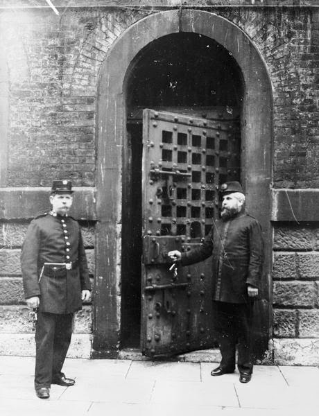 Entry gate, Newgate Prison, London, England (image)